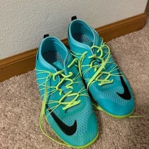 Nike women's running shoes in turquoise